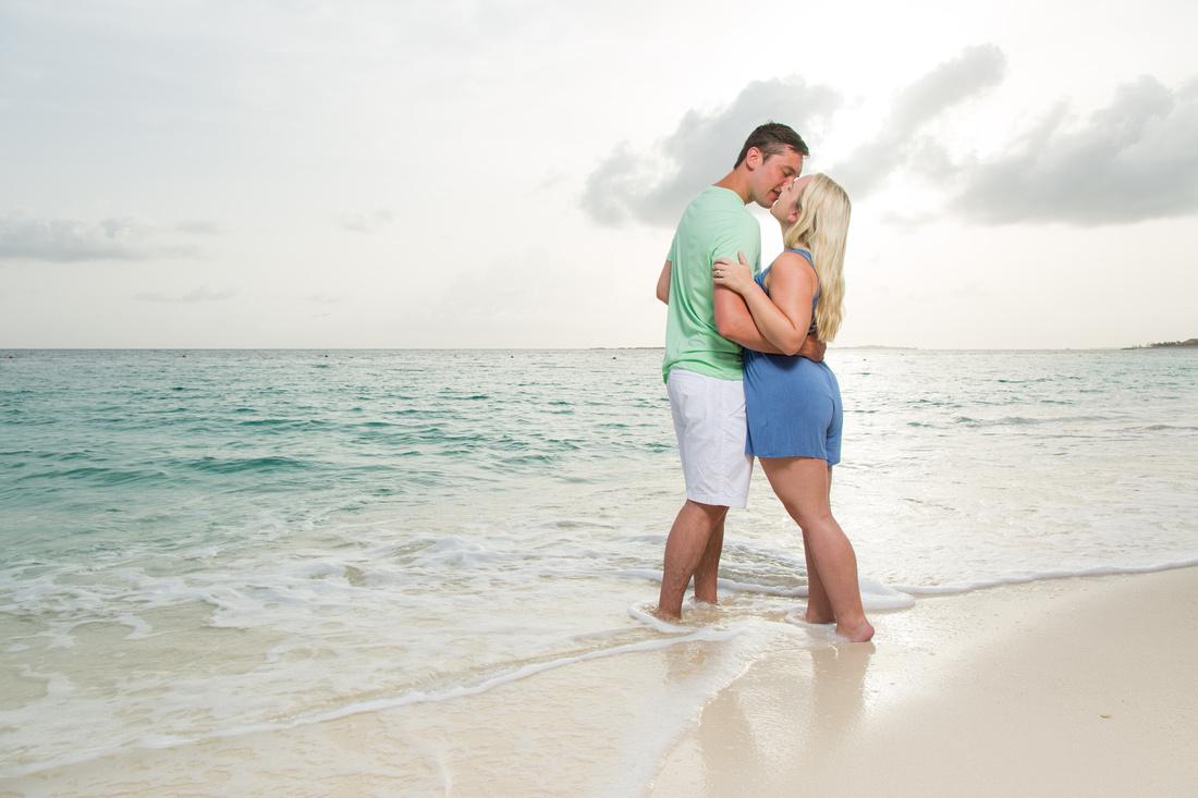 bahamas engagement portraits